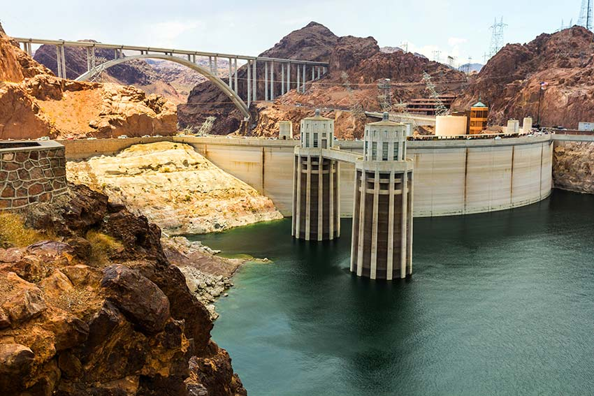 The Hoover Dam: Steel Wonders of the World